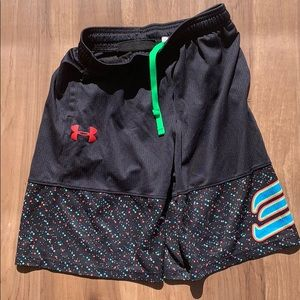 Under Armour Athletic Shorts - M